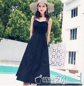 洋裝吊帶長裙chic連衣裙女夏季露肩冷淡風小黑裙收腰顯瘦裙子 時光之旅 時光之旅