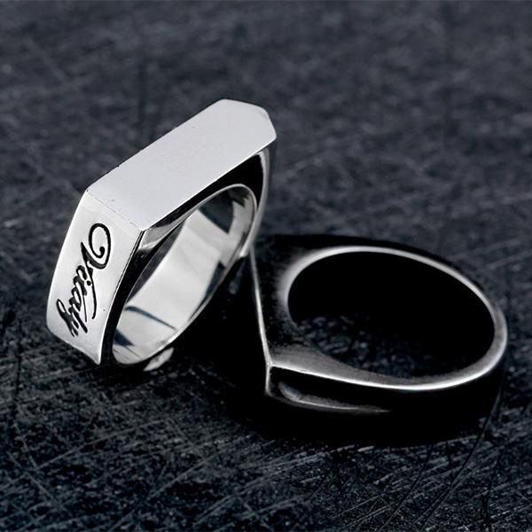 《 QBOX 》FASHION 飾品【RBR8-437】精緻歐美風個性簡約方形設計鑄造鈦鋼戒指/戒環