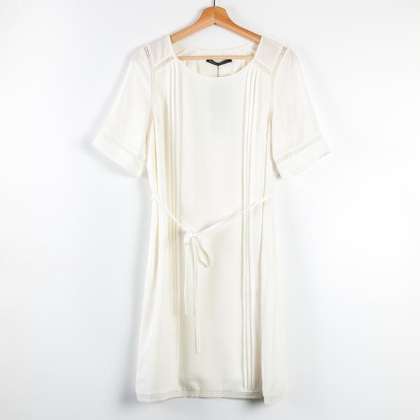 【MASTINA】鏤空蕾絲壓褶綁帶洋裝-白 秋冬嚴選