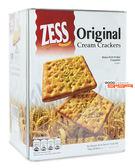 【吉嘉食品】ZESS 杰思 原味蘇打餅(桶裝) 每桶700公克,產地馬來西亞 [#1]{223815}