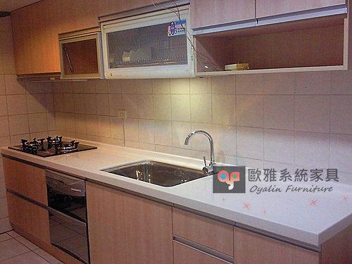 【系統家具】廚房整體設計分享~橡木洗白廚具 隠藏式除油煙機 人造石水槽、浴室浴櫃