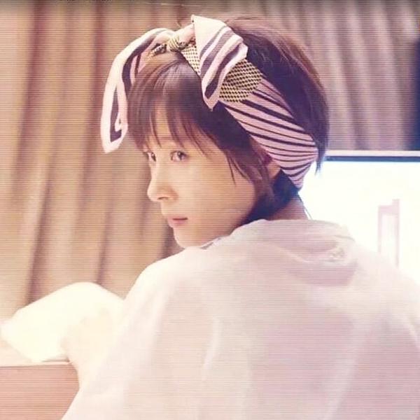 [協貿國際]王子文曲筱綃筱筱髮帶髮箍條紋髮帶頭箍髮卡1入