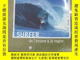 二手書博民逛書店SURFER,de罕見l écume à la vague(衝浪