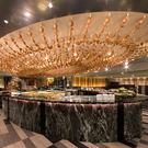 1.開放式廚房欣賞主廚精湛的廚藝2.流海鮮與各種頂級食材3.無國界料理風格
