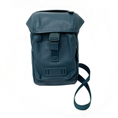 【COACH】經典LOGO釦環男款中性單肩/胸前包(藍綠)