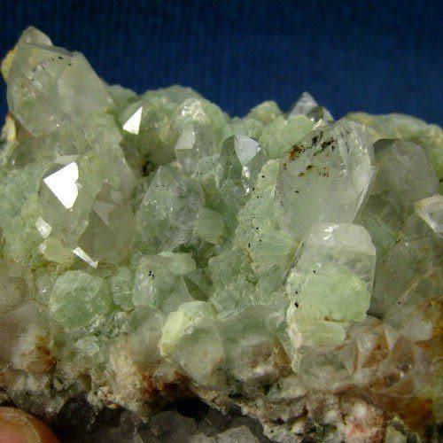 【礦物晶體礦物標本】*葡萄石水晶上長出的稀有矽鐵輝石1229