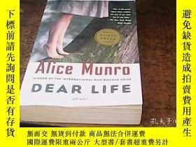 二手書博民逛書店alice罕見munro dear life 愛麗絲門羅《親愛的