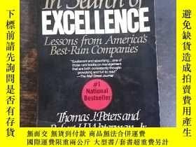 二手書博民逛書店英文原版:罕見In Search of Excellence: