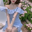 熱賣一字肩連身裙 氣質性感一字肩格子連身裙女裝2021早春新款修身顯瘦荷葉邊短裙子【618 狂歡】