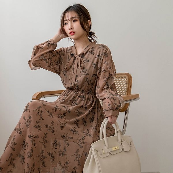 MIUSTAR 乾燥花領磅結滾荷葉澎雪紡洋裝(共4色)【NJ0107】預購