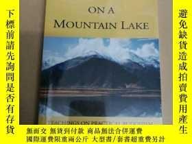 二手書博民逛書店Reflections罕見On A Mountain Lake: