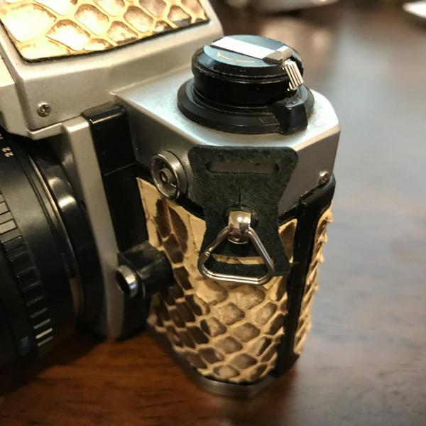BEAGLE (老相機用 背帶扣環) 真皮墊+三角環 PEN Leica Yashica Rollei -台灣製