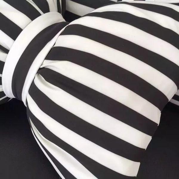 時尚蝴蝶結造型抱枕車用頭枕55*40cm(現+預)