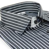 【金‧安德森】黑底白線條窄版長袖襯衫