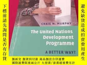 二手書博民逛書店The罕見United Nations Development