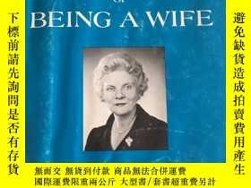 二手書博民逛書店The罕見Adventure of Being A WifeY1