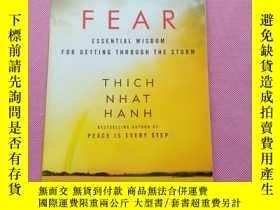 二手書博民逛書店FEAR罕見THICH NHAT HANHY267268 Thich N Hanh (Author) Harp