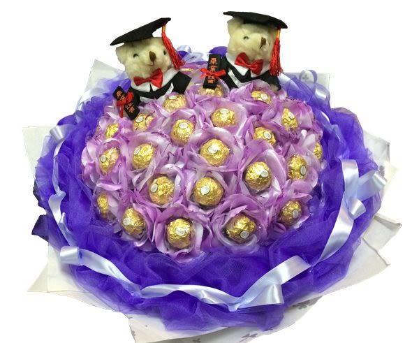 娃娃屋樂園~2隻畢業熊/學士熊+33顆花朵金莎巧克力(網紗)花束 每束1600元/花束商品/畢業花束