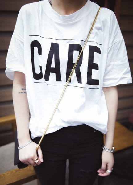 (全館免運) - 韓版經典圓領字母蝙蝠袖短袖T恤女(T-002)均碼