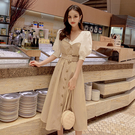 VK精品服飾 韓系氣質泡泡袖假兩件V領卡其色收腰短袖洋裝