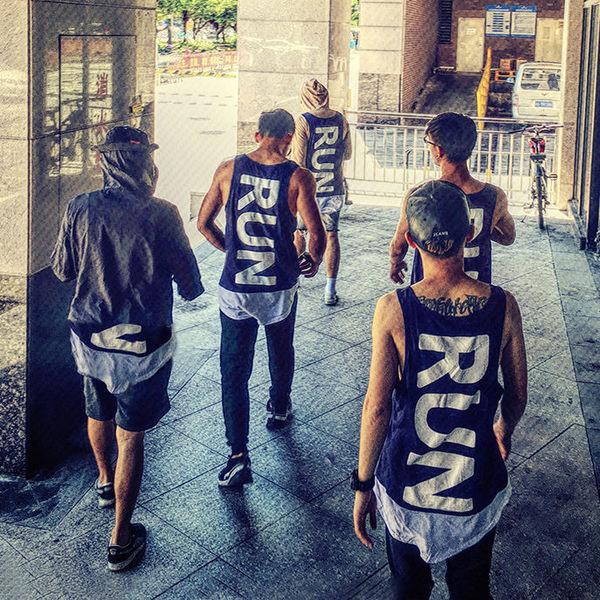 藍白背心RUN潮服MF跑酷運動流寬鬆男女假兩件健身T恤嘻哈街舞滑板