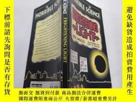 二手書博民逛書店FRIGHTENING罕見LIGHT :可怕的光Y200392