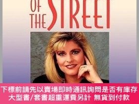 二手書博民逛書店預訂Women罕見Of The Street: Making It On Wall Street In The W