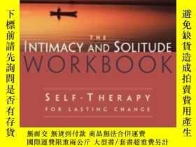 二手書博民逛書店The罕見Intimacy And Solitude Workb
