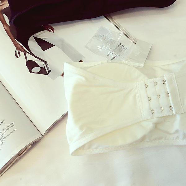 [協貿國際]防走光帶扣短款內衣一片式無肩帶裹胸文胸抹胸帶胸墊1入