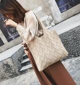 秋季包包女新款潮韓版百搭大容量單肩包時尚簡約針織包購物袋 三角衣櫃