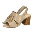 鞋面-壓花皮革 / 內裡-真皮 / 腳墊-人造皮革