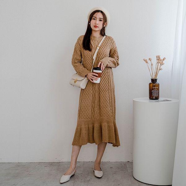 現貨-MIUSTAR 下襬荷葉菱格麻花針織洋裝(共2色)【NH3195】預購