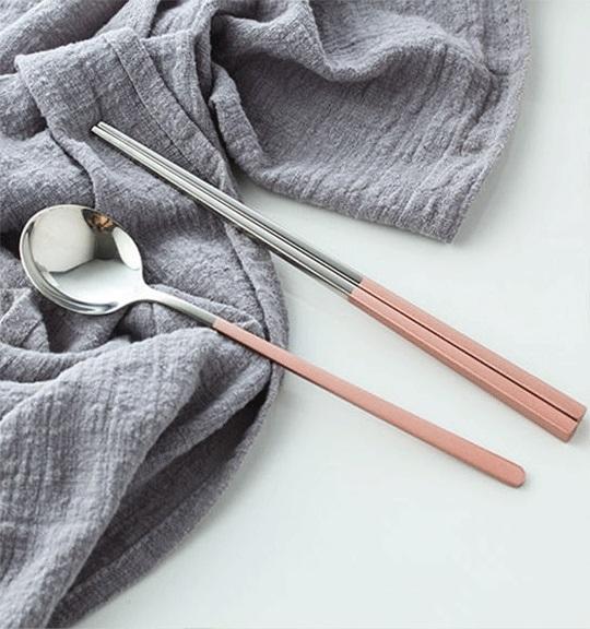 彩色烤漆餐具兩件組 七色 不銹鋼餐具組 環保餐具 烤漆 餐具 湯匙 筷子【RS857】