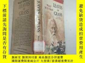二手書博民逛書店(英文原版)Leaves罕見of Grass草葉集(65年印)館