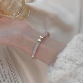 手鐲 韓版情侶款金色手鐲女手飾品時尚鑲嵌小眾設計ins潮網紅鈦鋼手鍊 美物居家 免運