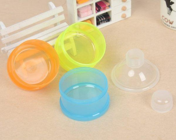 可攜式可分拆奶粉盒 / 寶寶外出奶粉罐(隨機色) 49元