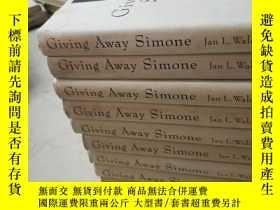 二手書博民逛書店Giving罕見Away Simone(外文原版)庫存書有多本
