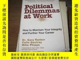 二手書博民逛書店Political罕見Dilemmas at Work: How