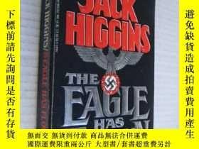 二手書博民逛書店The罕見Eagle Has Flown 三面刷黃,封面凸面印刷