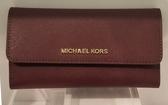 美國Michael Kors MK 防刮皮革 酒紅色 多卡層 長夾 限時特賣$2930 **現貨**