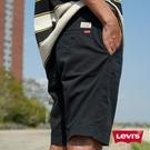 Levis 男款 上寬下窄 CHINO卡其休閒短褲 / 超彈力布料