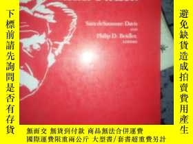 二手書博民逛書店The罕見Mythologizing of Mark Twain