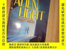 二手書博民逛書店An罕見Alien Light(原版外文書)Y266567 Na