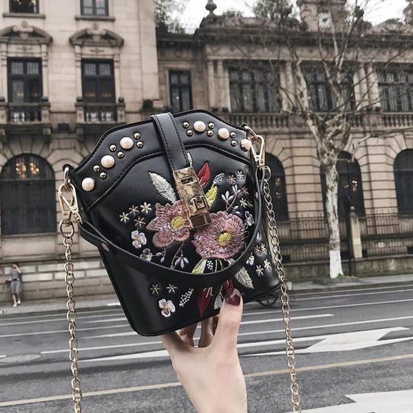 刺繡包chic女包包2019韓版刺繡花朵鍊條水桶包ins超火少女斜背小包 爾碩數位3c