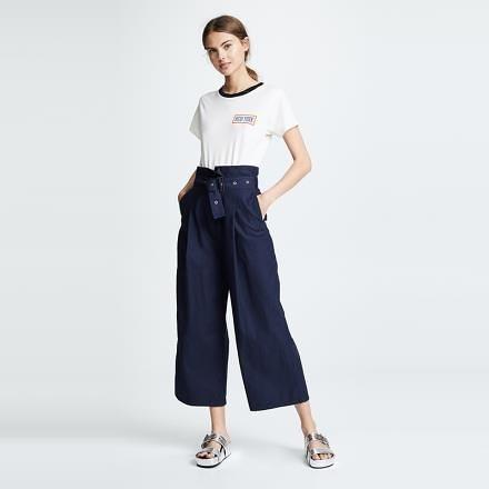 【南紡購物中心】《D Fina 時尚女裝》 性格時尚 正面褶皺高腰九分寬褲
