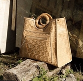 ■專櫃61折■ Fendi 全新真品 Fendi 8BH351 浮雕 FF Runaway 小牛皮大款購物袋 米色