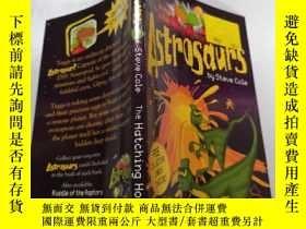 二手書博民逛書店Astrosaurs罕見The hatching horror:太空恐龍.Y212829