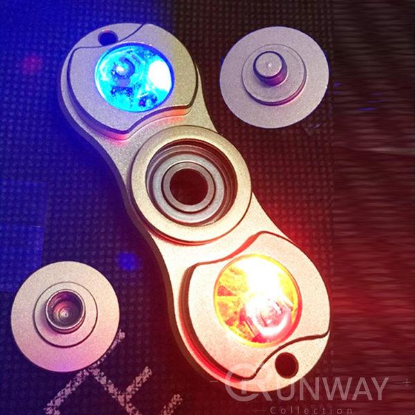 【R】LED 發光 指尖陀螺 閃燈鋁合金 紓壓神器 Hand spinner 療癒 解壓 減壓玩具