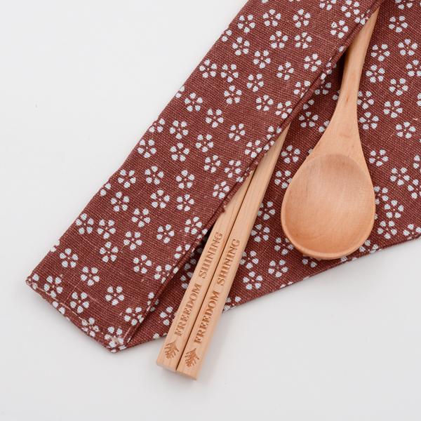芬多森林 台灣檜木環保筷組-紅色小花款,個人木製餐具組可以隨身方便攜帶旅行,健康享用好食