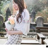 《AB9223-》高含棉雪紡圖騰刺繡拼接純色圓領上衣 OB嚴選
